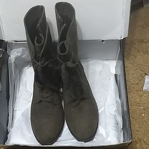 Olive faux suede Torrid army boot size 9 wide 9w